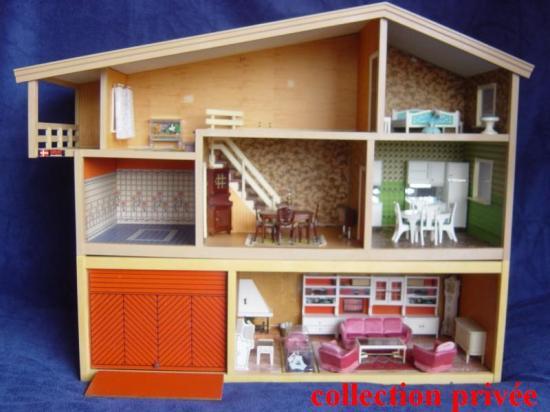 Vue générale de la maison + son étage