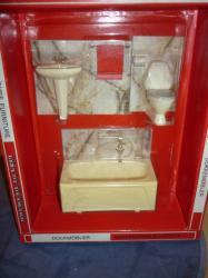 salle de bain marbrée en boite